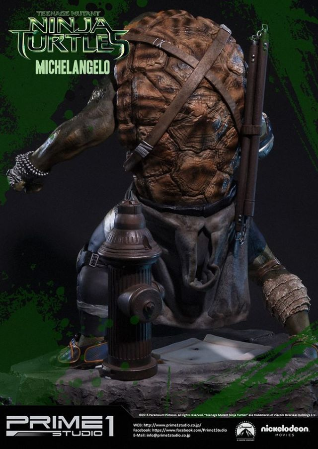 teenage-mutant-ninja-turtles-2014-michelangelo-statue-011