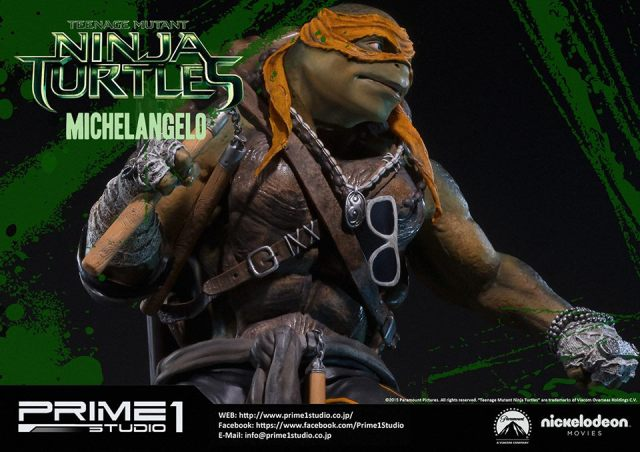 teenage-mutant-ninja-turtles-2014-michelangelo-statue-018